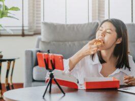 Deretan Food Vlogger Ini Bikin Ngiler. Yang Mana Favoritmu?